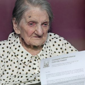 104-year-old Mary enjoys her first Zoom call after beating Covid-19